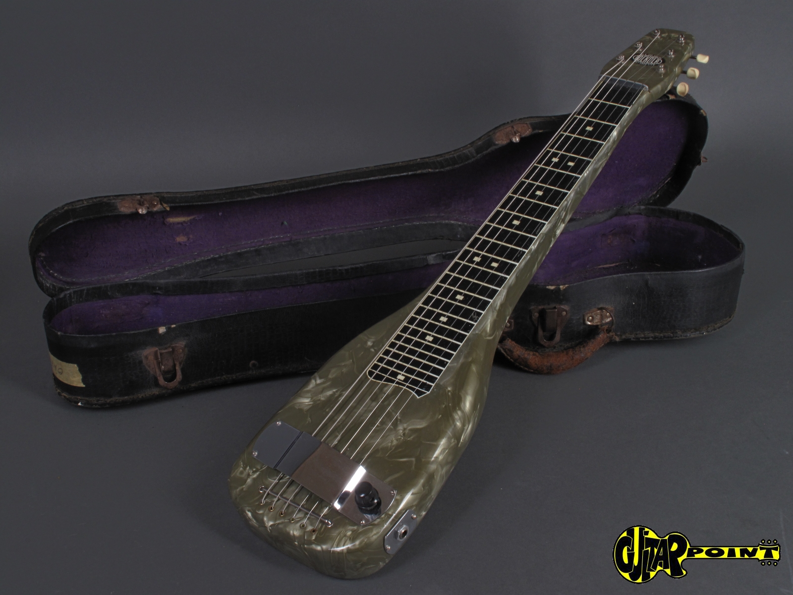 https://guitarpoint.de/app/uploads/products/1940s-lockola-lapsteel-made-by-magnatone/Lockola40Lapsteel_10.jpg