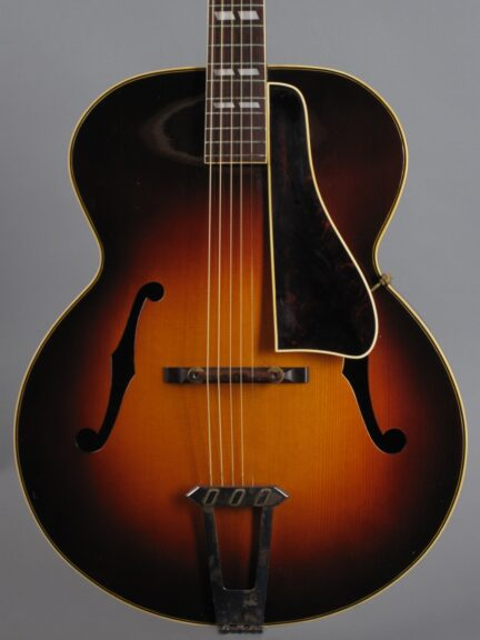 https://guitarpoint.de/app/uploads/products/1941-gibson-l-12-sunburst/1943-Gibson-L12-Sunburst-97245_2-432x576.jpg