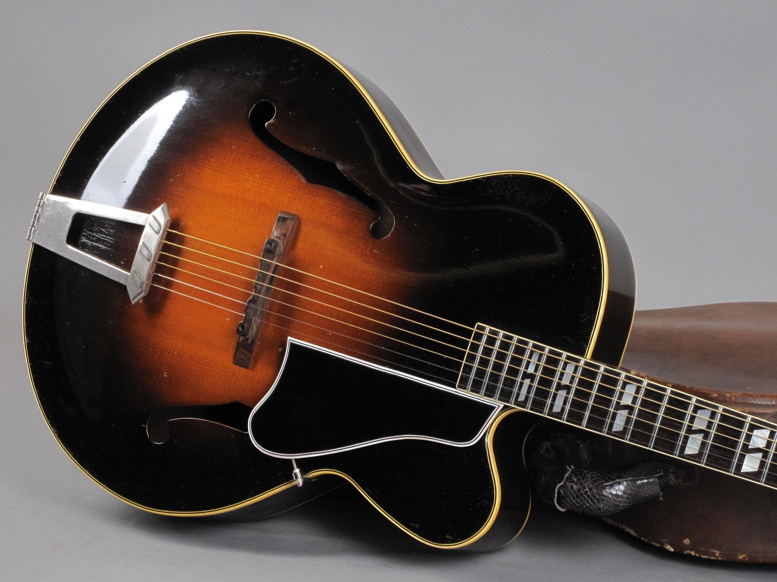https://guitarpoint.de/app/uploads/products/1948-gibson-l-7c-sunburst-2/1948-Gibson-L-7-C-Sunburst-A2294_19.jpg