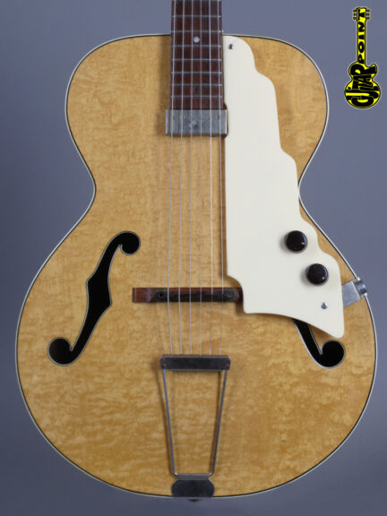 https://guitarpoint.de/app/uploads/products/1951-oahu-national-new-yorker-spanish-1120/Vi51NatioNYV39448_2-432x576.jpg