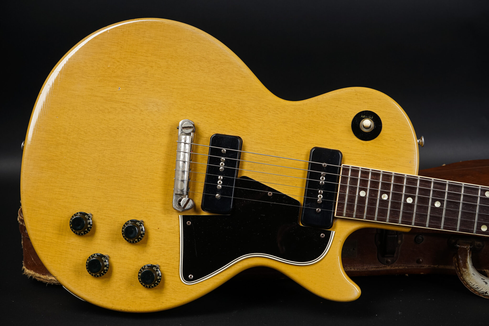 https://guitarpoint.de/app/uploads/products/1957-gibson-les-paul-special-tv-yellow-6/1957-Gibson-Les-Paul-Special-TV-78813-8-2048x1366.jpg