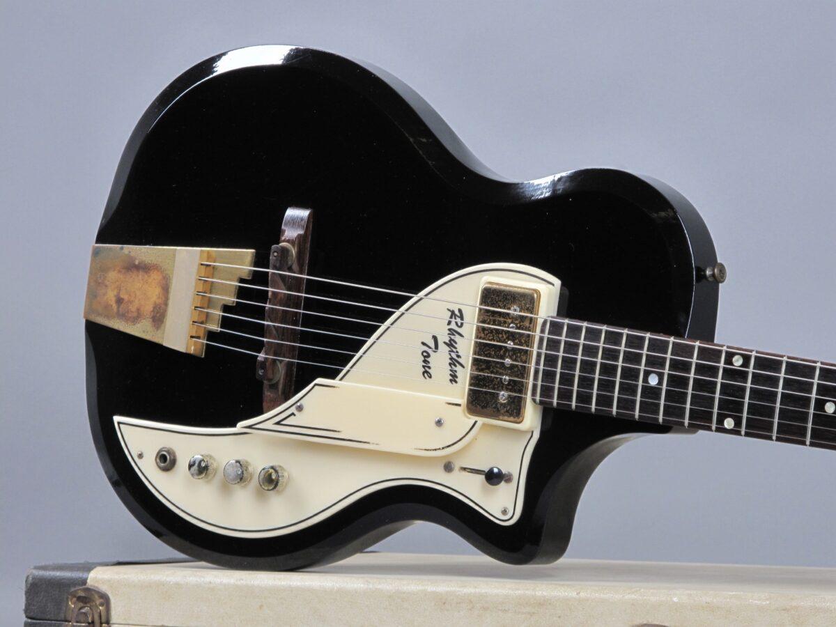 https://guitarpoint.de/app/uploads/products/1958-supro-rhythm-tone-black/1958-Supro-Rhythm-Tone-Black-X87112_19-1200x900.jpg