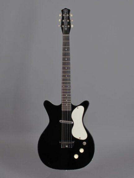 https://guitarpoint.de/app/uploads/products/1959-danelectro-3011-standard-doublecut-black/1959-Danelectro-DC-2-Black_1-432x576.jpg