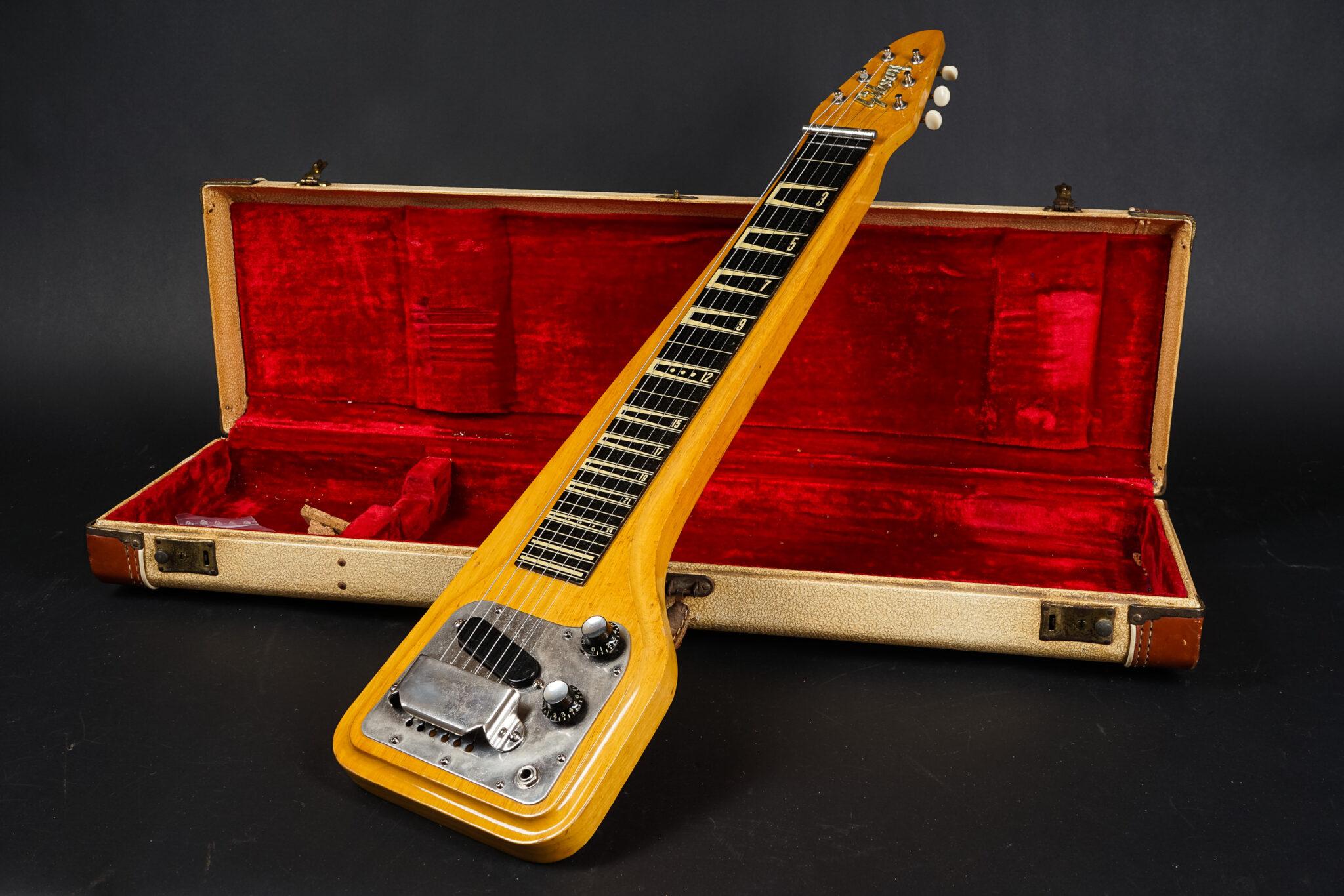 https://guitarpoint.de/app/uploads/products/1960-gibson-eh-500-skylark-lap-steel-guitar-012340/1960-Gibson-eh-500-012340-1-2048x1366.jpg