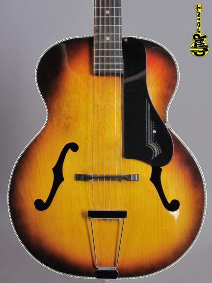https://guitarpoint.de/app/uploads/products/1960-harmony-h954-broadway-sunburst-made-in-usa/Harmony60Broadway2743_2-432x576.jpg