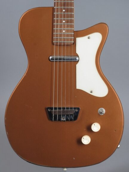 https://guitarpoint.de/app/uploads/products/1960-silvertone-u1-model-1415-bronze-2/1960-Silvertone-U1-Bronze-12590_2-432x576.jpg
