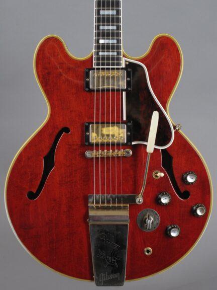 https://guitarpoint.de/app/uploads/products/1963-gibson-es-355-tdsv-cherry/1963-Gibson-ES-355-TDSV-Cherry-51355_2-432x576.jpg