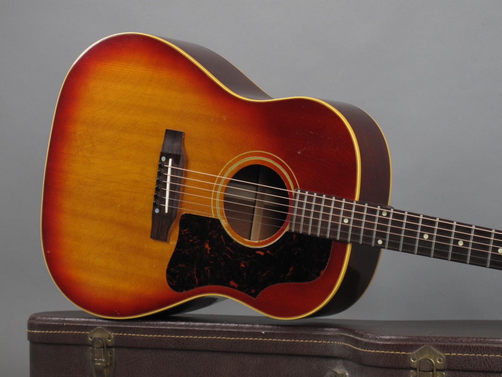 https://guitarpoint.de/app/uploads/products/1963-gibson-j-45-sunburst/1963-Gibson-J-45-Cherry-Sunburst-120522-19.jpg