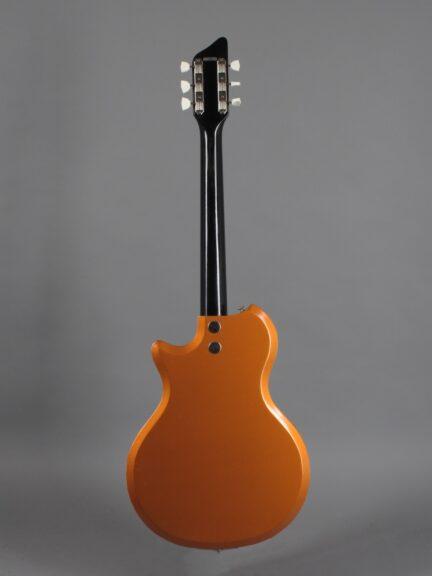https://guitarpoint.de/app/uploads/products/1963-supro-ozark/1962-Supro-Ozark-Bronze-T86618-3-432x576.jpg