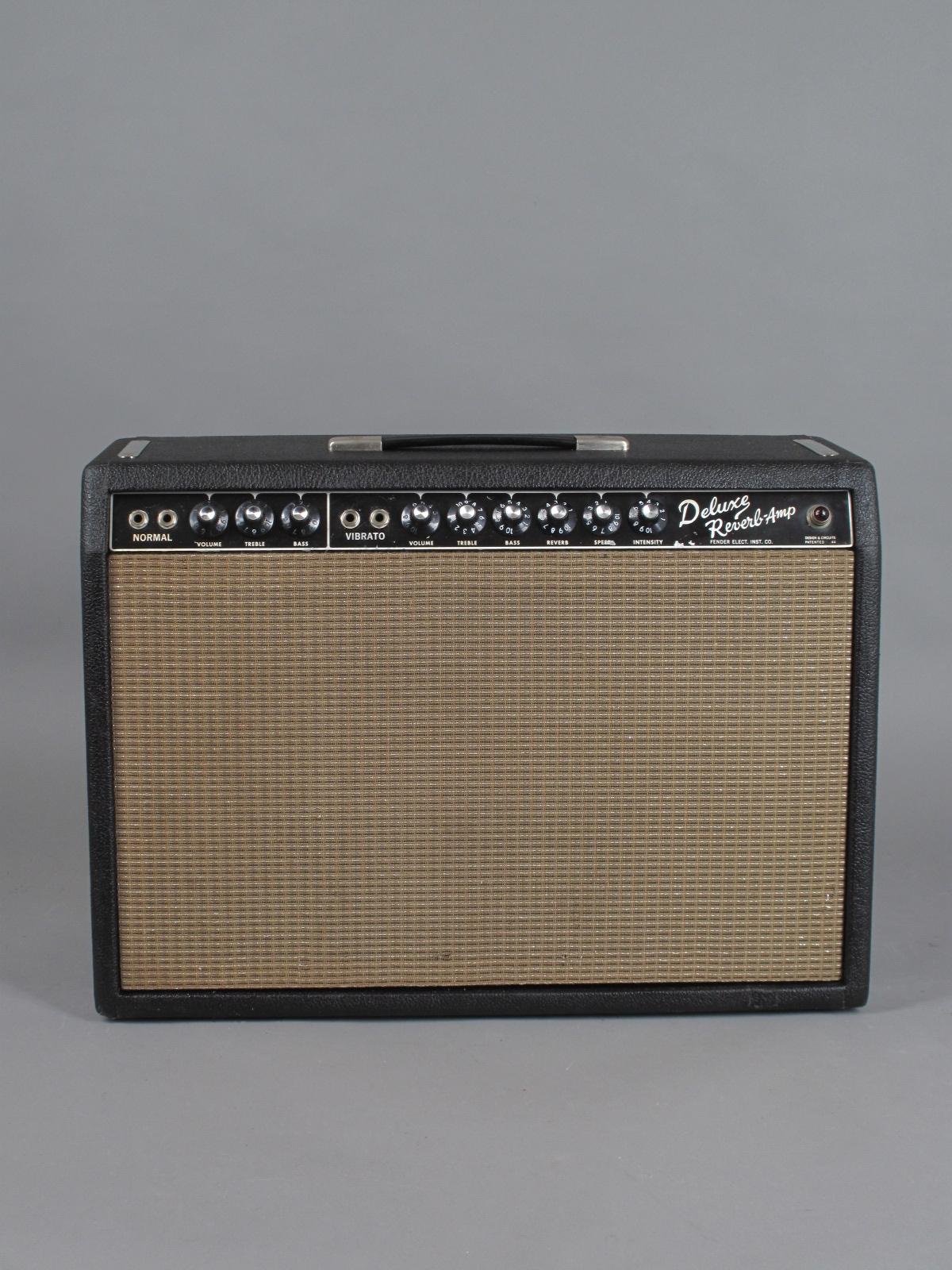 https://guitarpoint.de/app/uploads/products/1964-fender-deluxe-reverb/1964-Fender-Deluxe-Reverb-A02285-1.jpg