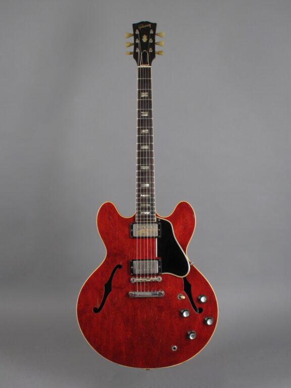 https://guitarpoint.de/app/uploads/products/1964-gibson-es-335-td-cherry-2/1964-Gibson-ES-335-TDC-Cherry-67719-1-576x768.jpg