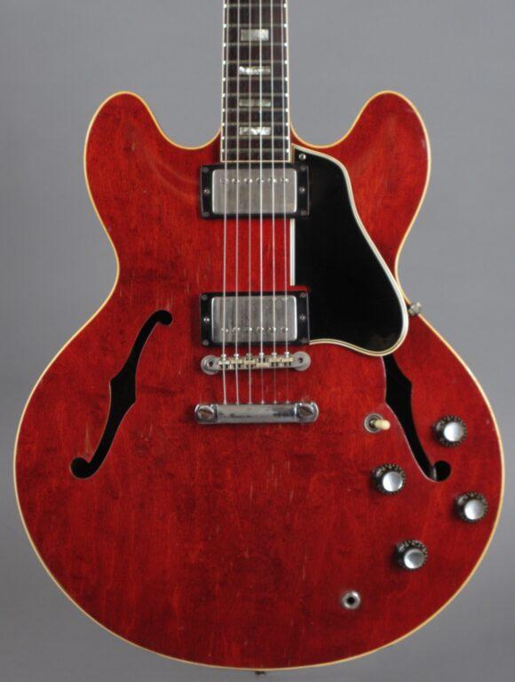 https://guitarpoint.de/app/uploads/products/1964-gibson-es-335-td-cherry-2/1964-Gibson-ES-335-TDC-Cherry-67719-2-580x768.jpg