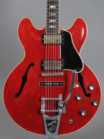 https://guitarpoint.de/app/uploads/products/1964-gibson-es-335-td-cherry/1964-Gibson-ES-335-TD-Cherry-177387_2-432x576.jpg