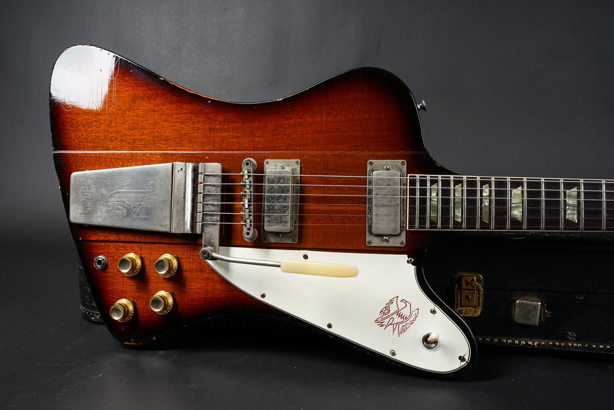 https://guitarpoint.de/app/uploads/products/1964-gibson-firebird-v-sunburst-2/1964-Gibson-Firebird-V-153634-9-2048x1366.jpg