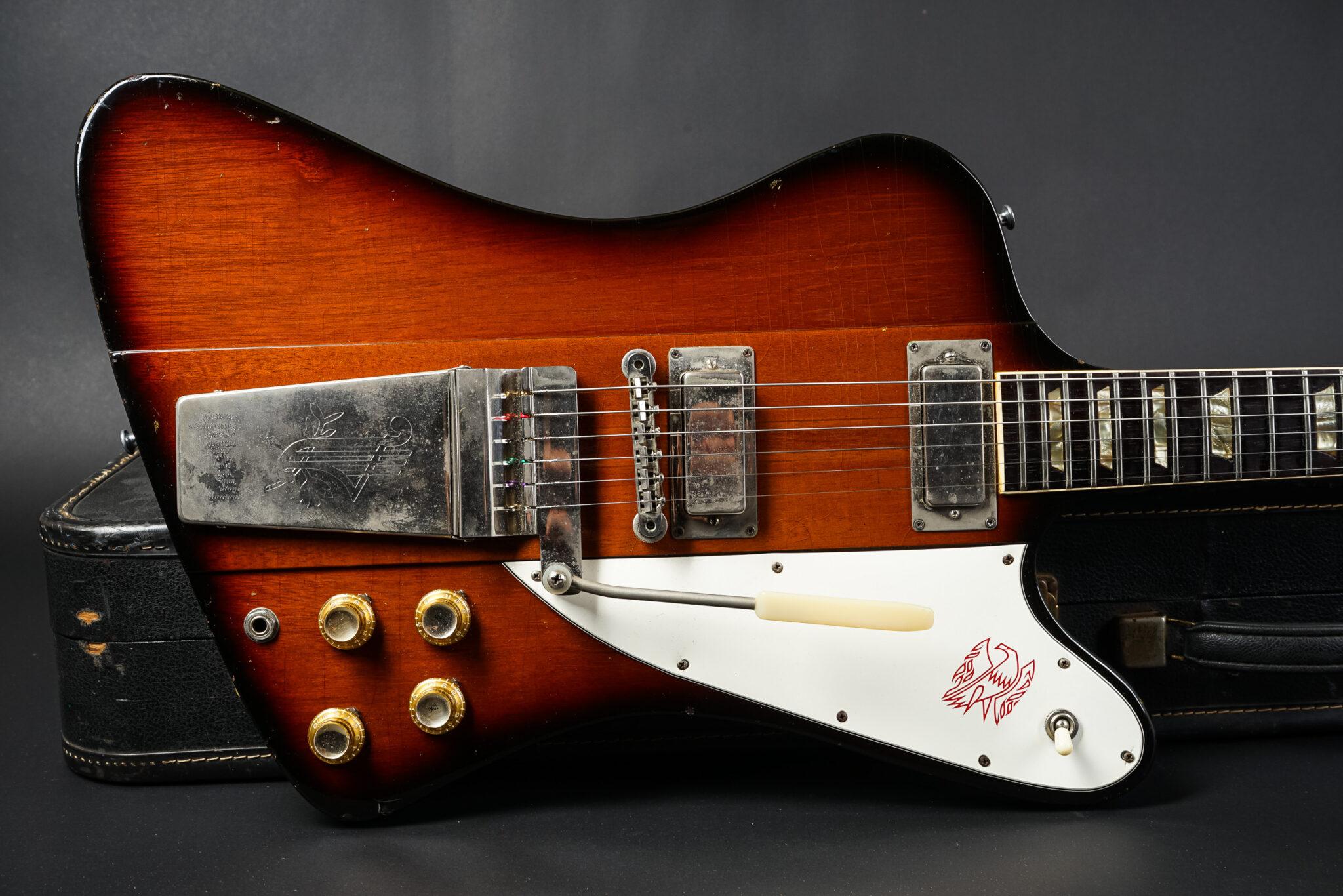 https://guitarpoint.de/app/uploads/products/1964-gibson-firebird-v-sunburst/1964-Gibson-Firebird-V-153636-8-2048x1366.jpg