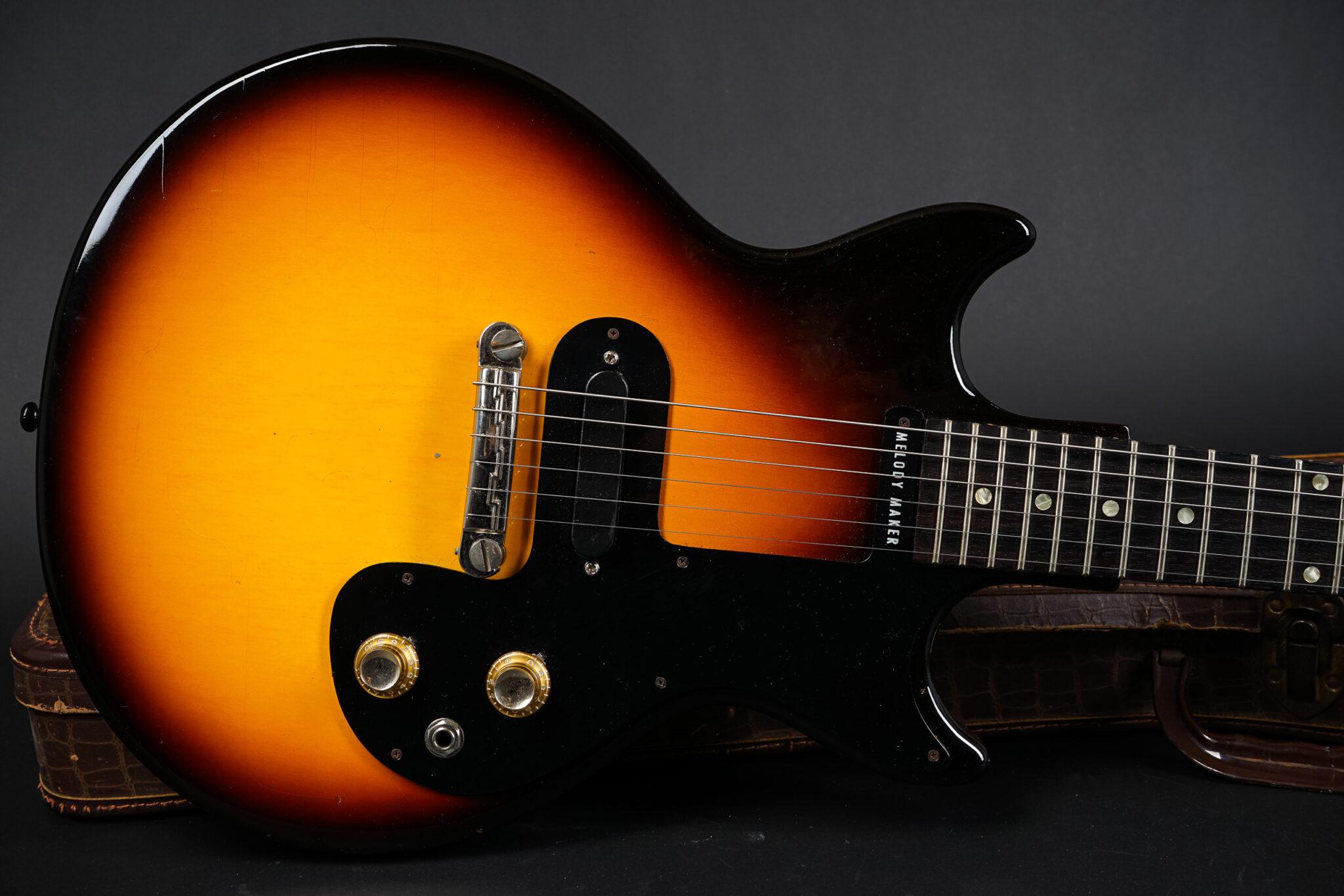 https://guitarpoint.de/app/uploads/products/1964-gibson-melody-maker-sunburst/1964-Gibson-melody-Maker-221913-8-2048x1366.jpg