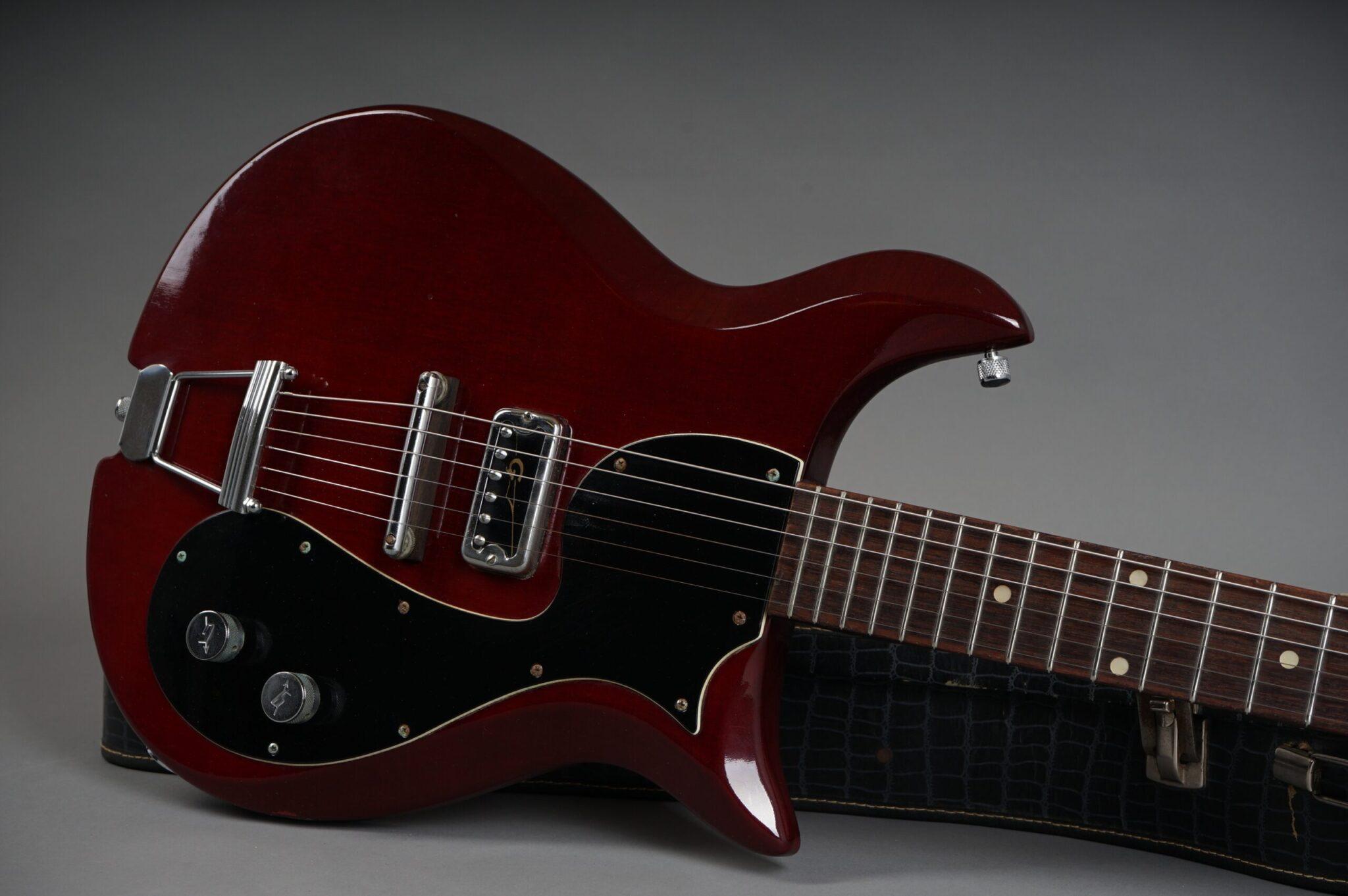 https://guitarpoint.de/app/uploads/products/1964-gretsch-corvette-6134-cherry/1964-Gretsch-Corvette-Cherry-76564-19-scaled-2048x1362.jpg