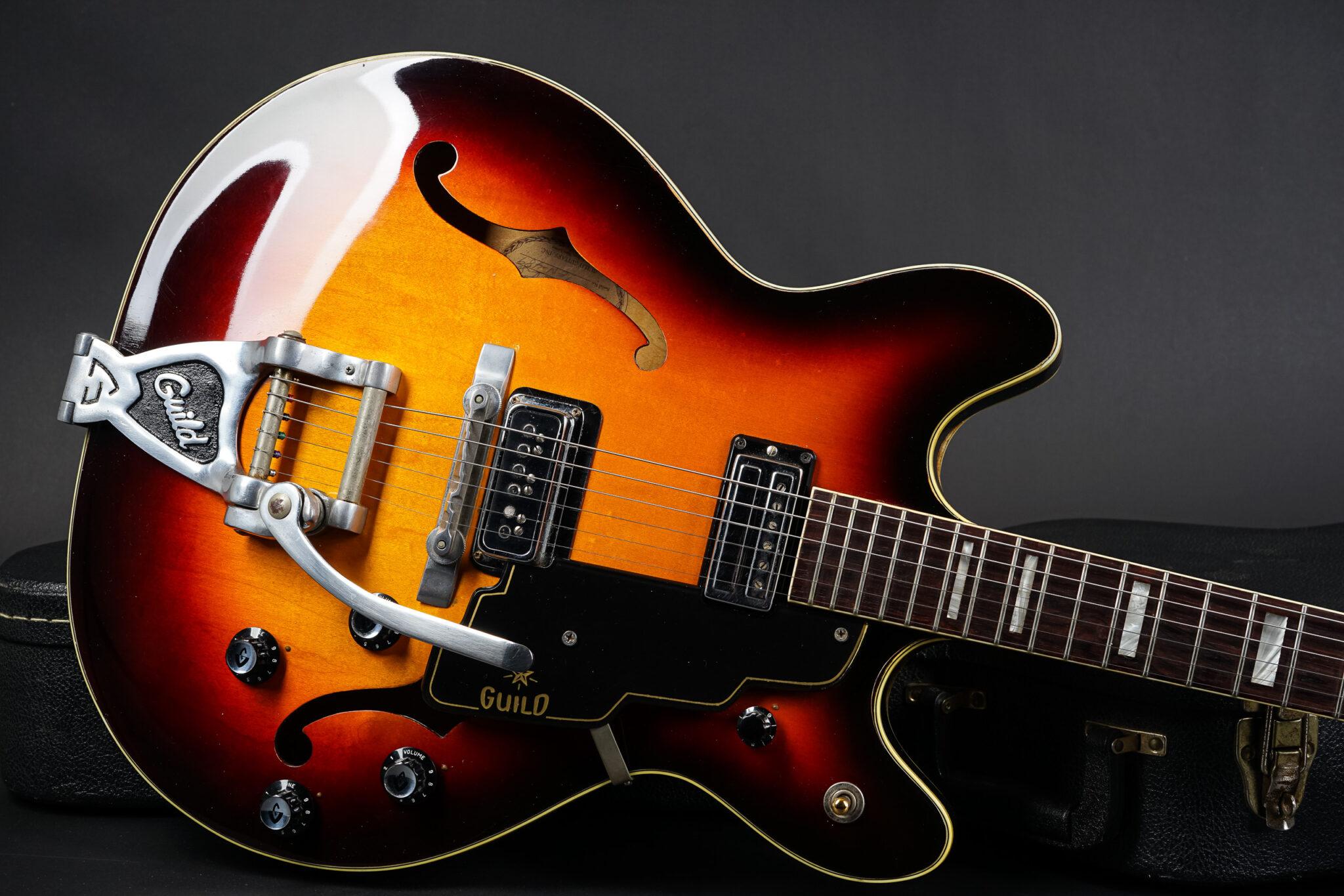 https://guitarpoint.de/app/uploads/products/1964-guild-starfire-v-sunburst/1964-guild-starfire-V-EN489-8-2048x1366.jpg