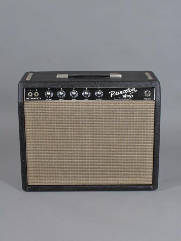 https://guitarpoint.de/app/uploads/products/1965-fender-princeton-blackface/1965-Fender-Princeton-A02476-1-576x768.jpg