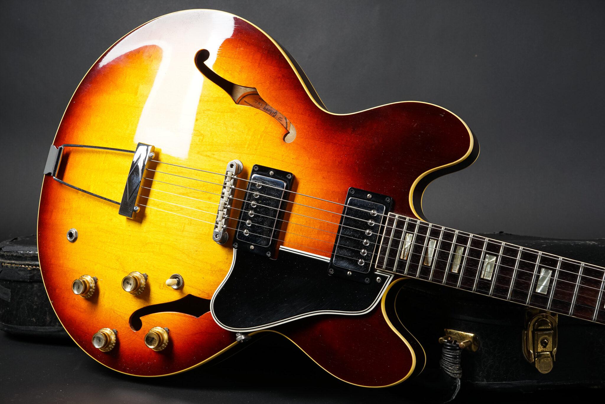 https://guitarpoint.de/app/uploads/products/1965-gibson-es-335-td-sunburst-excellent/1965-Gibson-ES335TD-332208-8-2048x1366.jpg