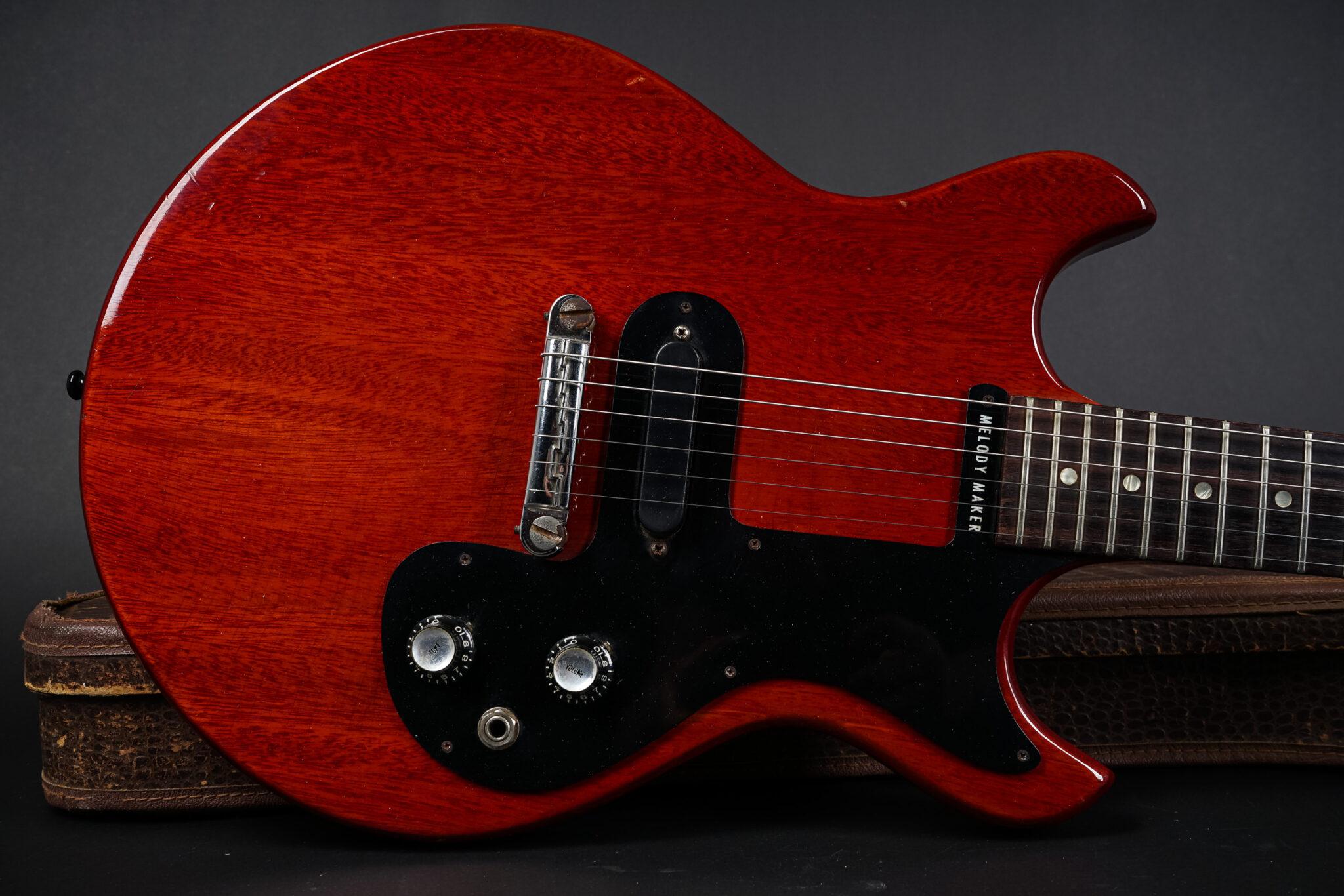 https://guitarpoint.de/app/uploads/products/1965-gibson-melody-maker-cherry-6/1965-Gibson-melody-Maker-259979-8-2048x1366.jpg