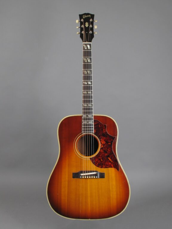 https://guitarpoint.de/app/uploads/products/1965-gibson-southern-jumbo-sunburst/1965-Gibson-SJ-Sunburst-317762-1-576x768.jpg