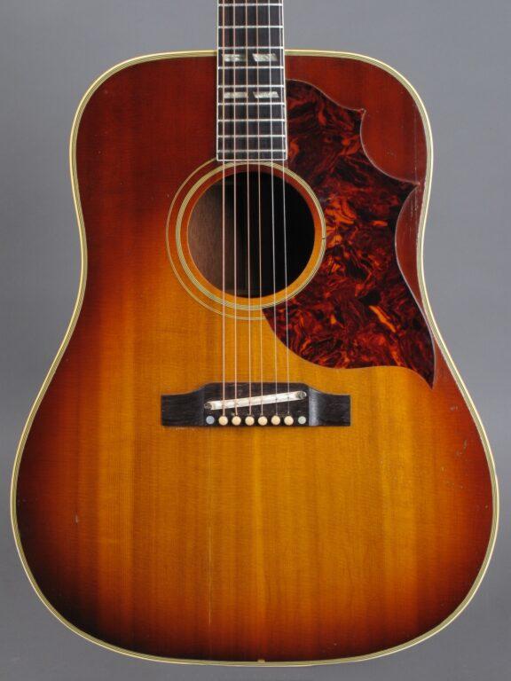 https://guitarpoint.de/app/uploads/products/1965-gibson-southern-jumbo-sunburst/1965-Gibson-SJ-Sunburst-317762-2-576x768.jpg