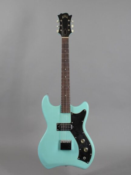 https://guitarpoint.de/app/uploads/products/1965-guild-s50-jetstar-teal-green/1965-Guild-Jetstar-S-50-34812_1-432x576.jpg