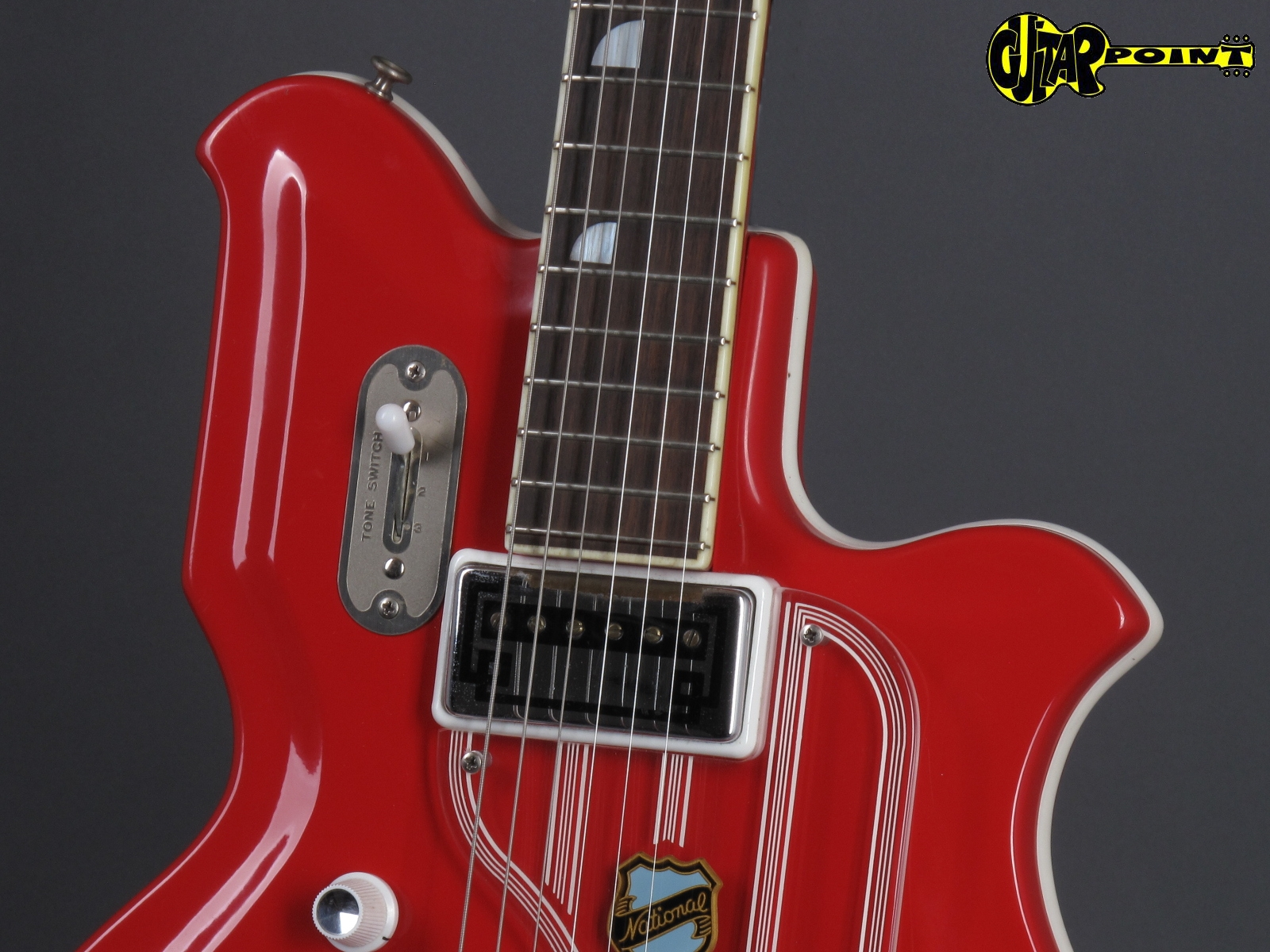 https://guitarpoint.de/app/uploads/products/1965-national-newport-82-pepper-red-made-in-usa/National65NwpRed_I-56862_51.jpg
