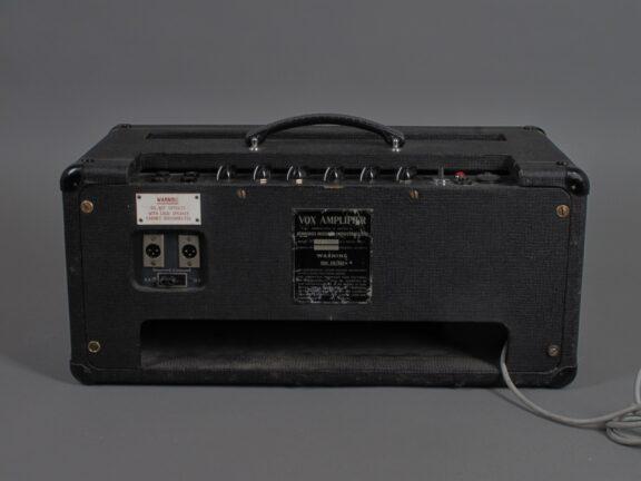 https://guitarpoint.de/app/uploads/products/1965-vox-ac-50-all-tube-amplifier/Vox65AC50_02142_9_1-576x432.jpg