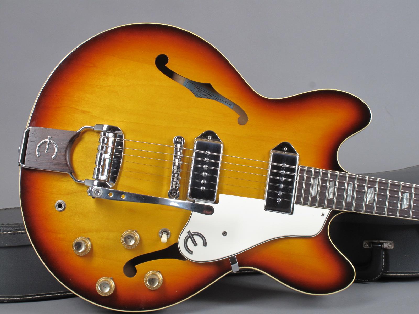 https://guitarpoint.de/app/uploads/products/1966-epiphone-casino-e230td-sunburst/1967-Epiphone-Casino-E230TD-857101-10.jpg
