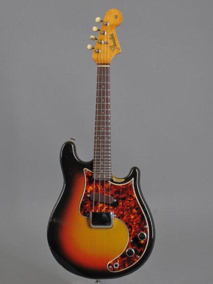 https://guitarpoint.de/app/uploads/products/1966-fender-electric-mandolin-mandocaster-3/1966-Fender-Mandocaster-01676-1_1-432x576.jpg