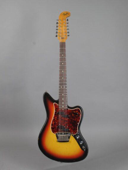 https://guitarpoint.de/app/uploads/products/1966-fender-electric-xii-sunburst/1966-Fender-Electric-XII-3-tone-Sunburst-154296_1-432x576.jpg
