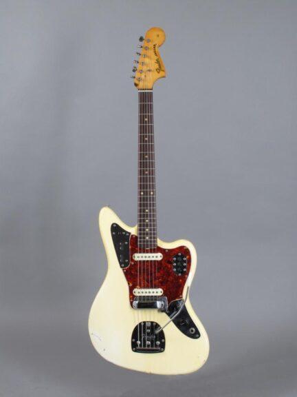 https://guitarpoint.de/app/uploads/products/1966-fender-jaguar-olympic-white-1963-neck/1966-Fender-Jaguar-Olympic-White-137536_1-432x576.jpg