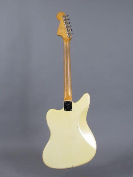 https://guitarpoint.de/app/uploads/products/1966-fender-jaguar-olympic-white-1963-neck/1966-Fender-Jaguar-Olympic-White-137536_3-432x576.jpg