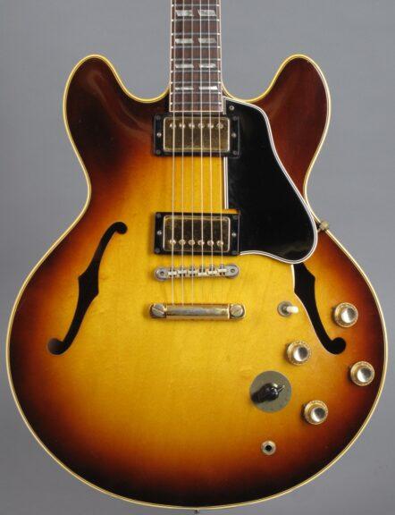 https://guitarpoint.de/app/uploads/products/1966-gibson-es-345-tdsv-stereo-sunburst-4/1966-Gibson-ES-345-TDSV-Sunburst-811304-2-442x576.jpg
