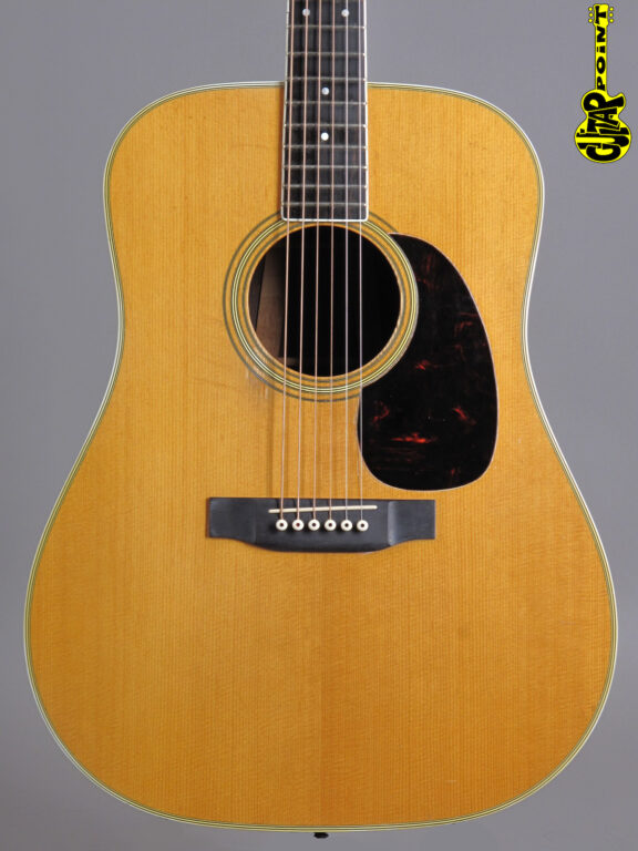https://guitarpoint.de/app/uploads/products/1966-martin-d-35-natural/Martin66D35_214944_2_1_1-576x768.jpg}