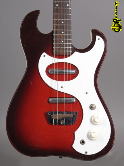 https://guitarpoint.de/app/uploads/products/1966-silvertone-1457-guitar-and-amp-in-case/1966Silvertone1457_2-432x576.jpg