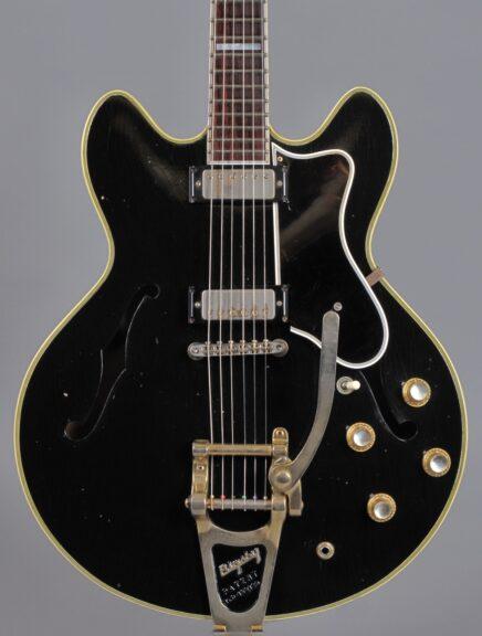 https://guitarpoint.de/app/uploads/products/1967-epiphone-sheraton-black-refin/1967-Epiphone-Sheraton-Ebony_2-1-436x576.jpg