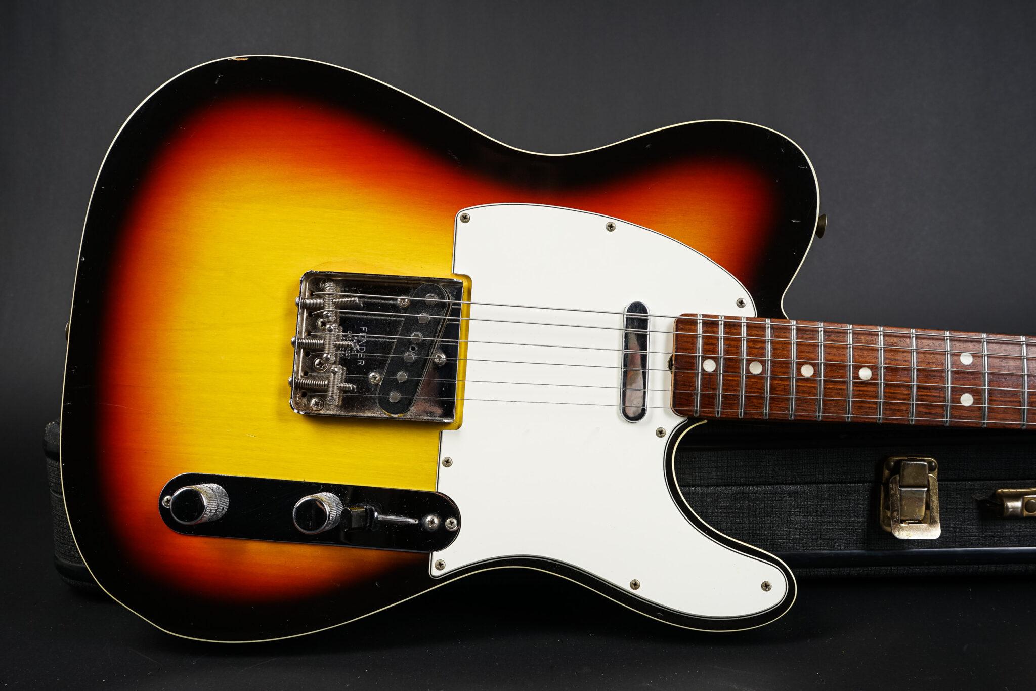https://guitarpoint.de/app/uploads/products/1967-fender-custom-telecaster-sunburst/1967-Fender-Custom-Telecaster-Sunburst-188317-7-2048x1366.jpg