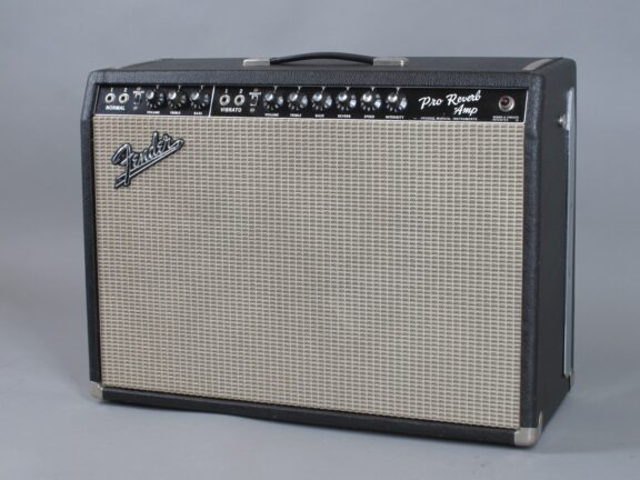 https://guitarpoint.de/app/uploads/products/1967-fender-pro-reverb-blackface-2x12-3/1967-Fender-Pro-Reverb-A09613_2-576x432.jpg