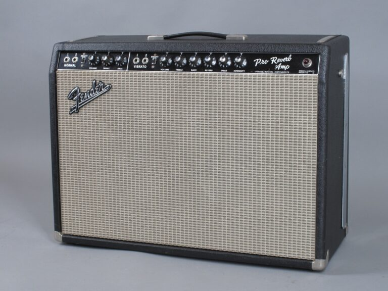 https://guitarpoint.de/app/uploads/products/1967-fender-pro-reverb-blackface-2x12-3/1967-Fender-Pro-Reverb-A09613_2-768x576.jpg