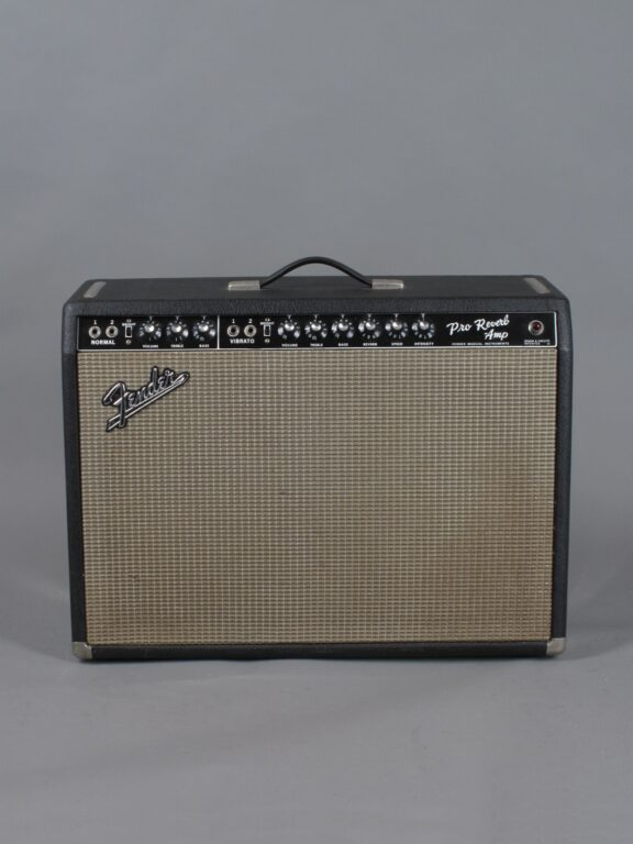 https://guitarpoint.de/app/uploads/products/1967-fender-pro-reverb-blackface-2x12-4/1967-Fender-Pro-Reverb-A06673_1-576x768.jpg