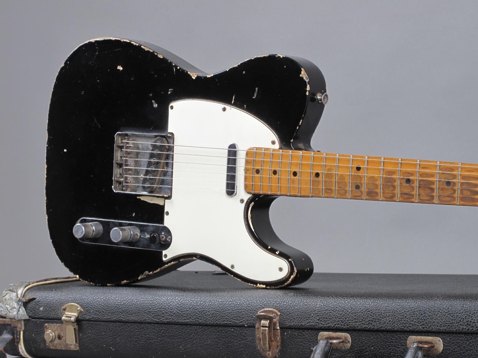https://guitarpoint.de/app/uploads/products/1967-fender-telecaster-black-refin-215087/1969-Fender-Telecaster-Black-215087-19.jpg