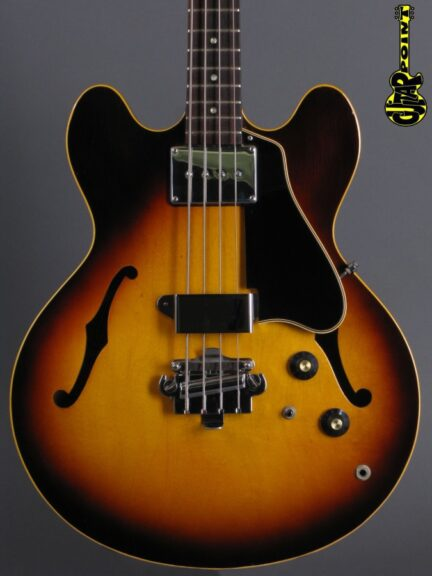 https://guitarpoint.de/app/uploads/products/1967-gibson-eb-2-bass-sunburst/Gibson67EB2SB101197_2-432x576.jpg}