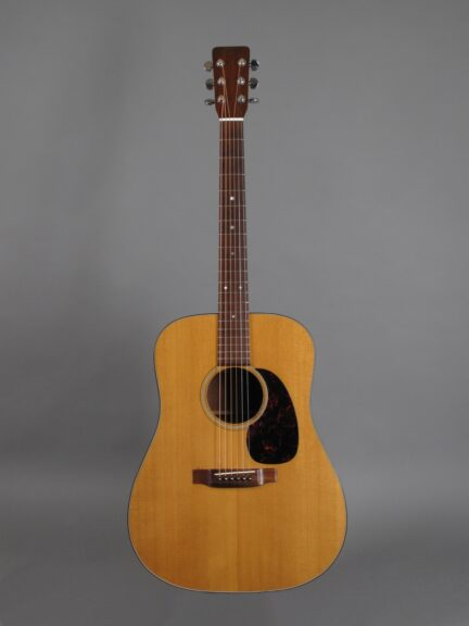 https://guitarpoint.de/app/uploads/products/1967-martin-d-18-natural/1967-Martin-D-18-Natural-218214-1-432x576.jpg