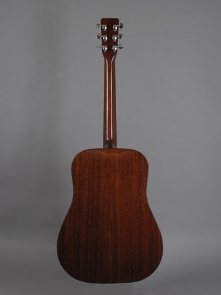 https://guitarpoint.de/app/uploads/products/1967-martin-d-18-natural/1967-Martin-D-18-Natural-218214-3-432x576.jpg