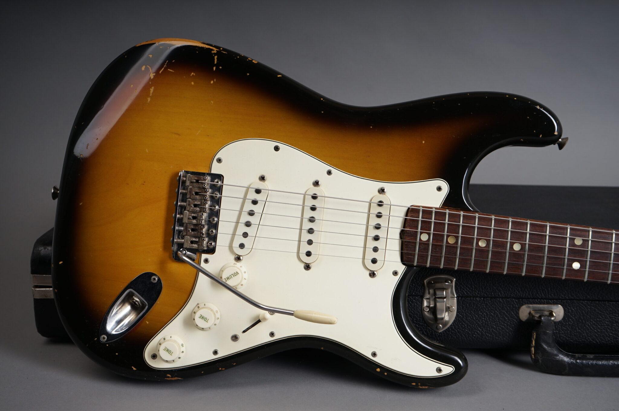 https://guitarpoint.de/app/uploads/products/1968-fender-stratocaster-sunburst/1968-Fender-Stratocaster-Sunburst-235213x-7-scaled-2048x1362.jpg