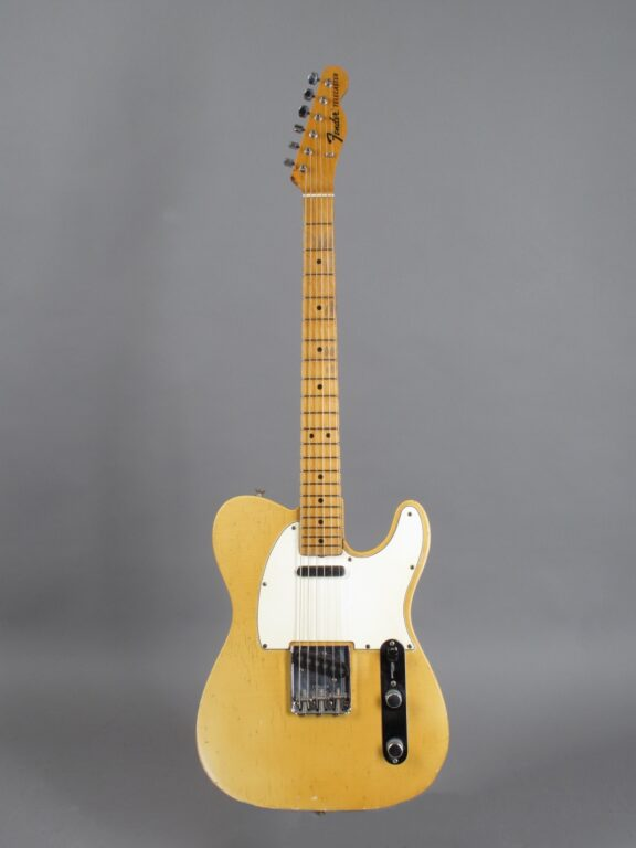 https://guitarpoint.de/app/uploads/products/1968-fender-telecaster-blond-lightweight-328-kg-2/1968-Fender-Telecaster-Blond-246382-1-576x768.jpg}