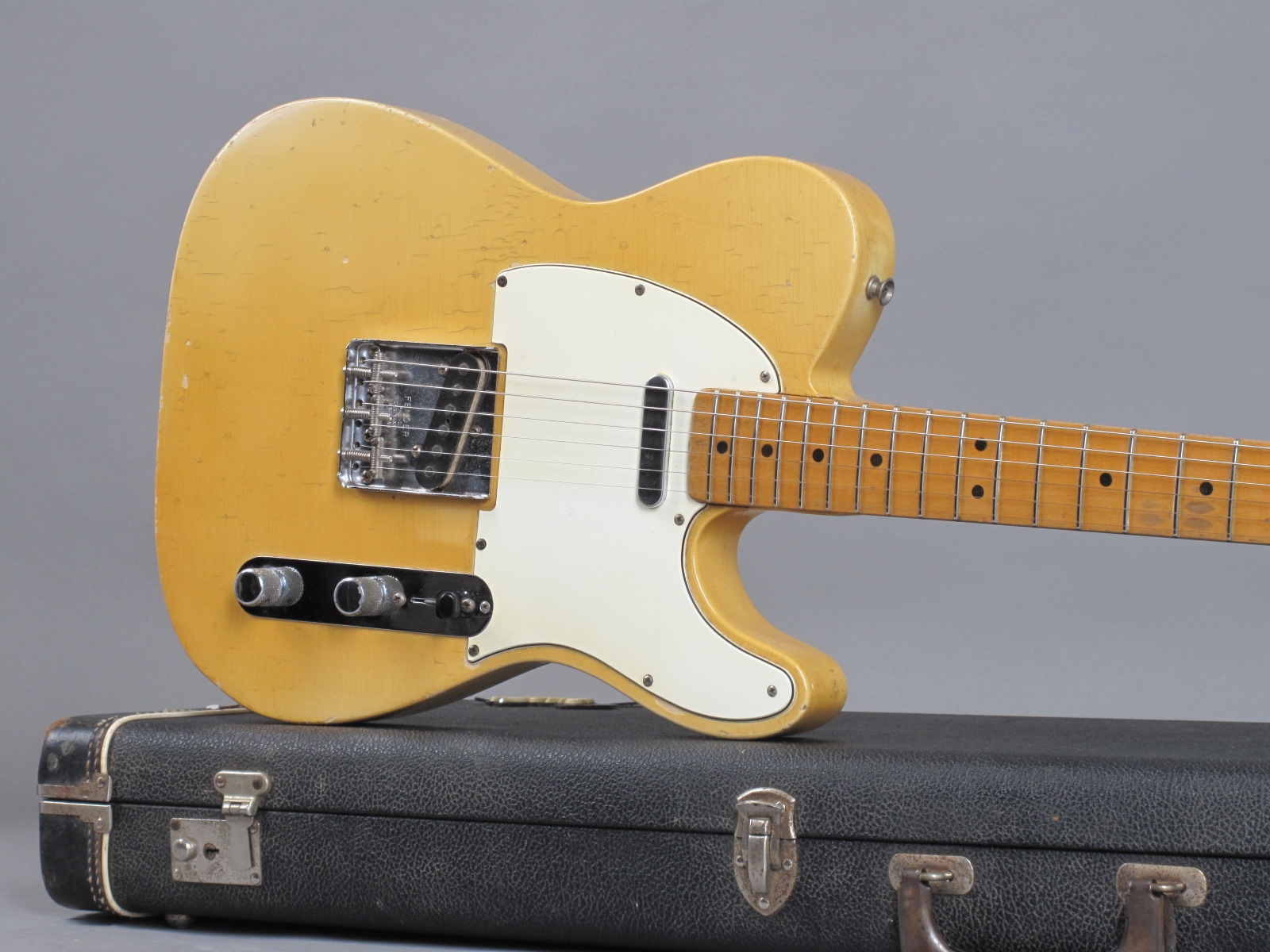 https://guitarpoint.de/app/uploads/products/1968-fender-telecaster-blond-lightweight-328-kg-2/1968-Fender-Telecaster-Blond-246382-19.jpg
